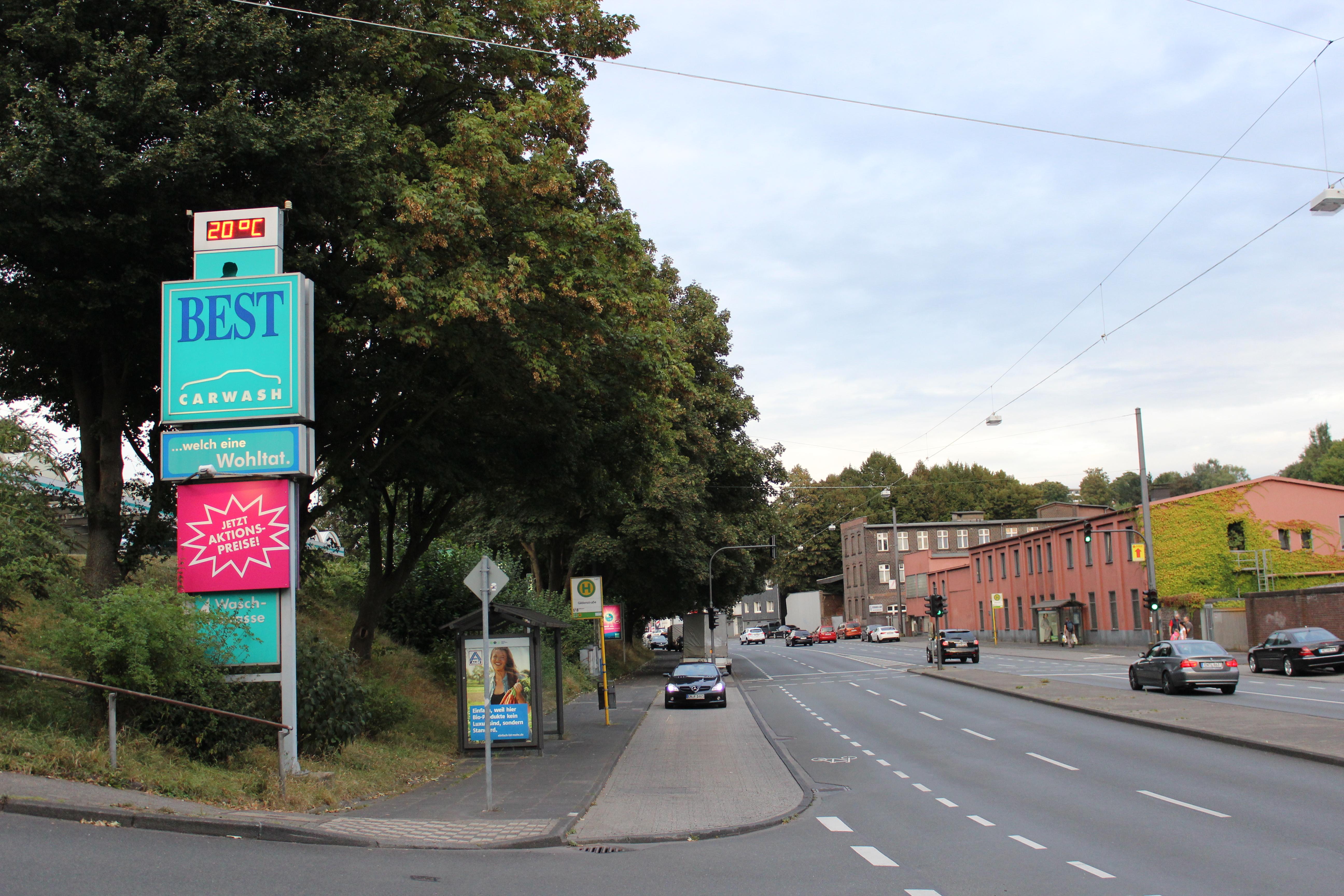 Die Auffahrt zu unserem Standort in Wuppertal-Oberbarmen